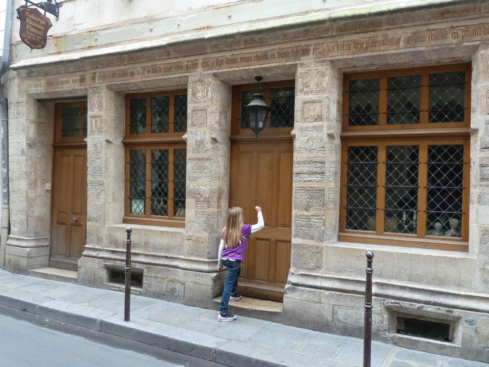 paris sightseeing oldest house in Paris